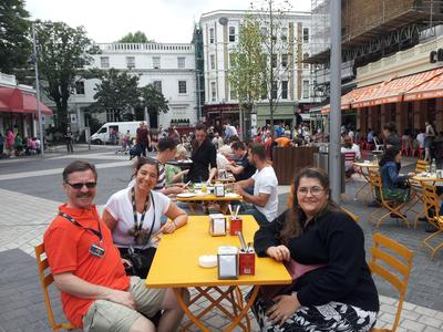 http://ralsina.me/galleries/Londres-2013/Dias1y2/IMG_20130720_134327.thumbnail.jpg