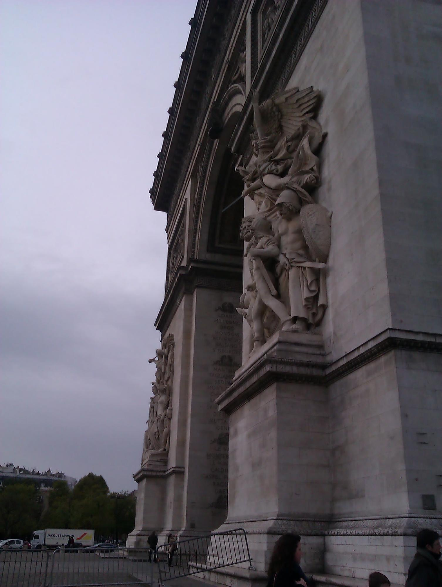 http://ralsina.me/galleries/london-paris-2012/IMAG0846.jpg